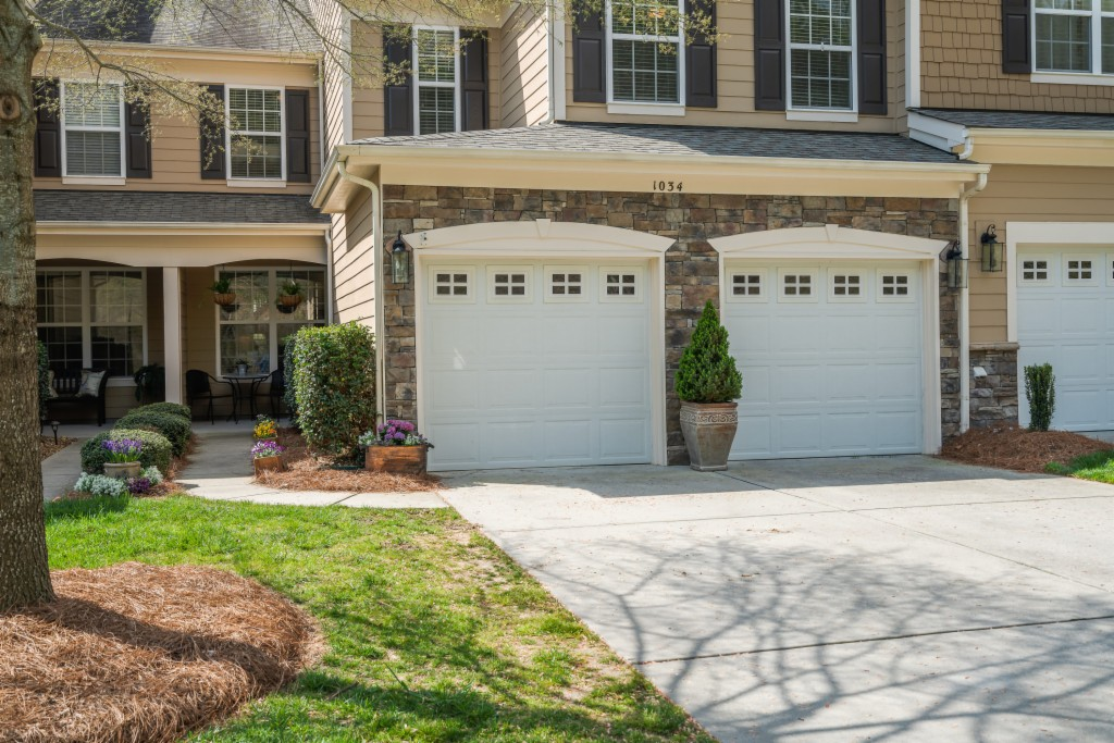 1034 Silver Gull Dr, Baxter Village in York County, SC 29708 Home for Sale