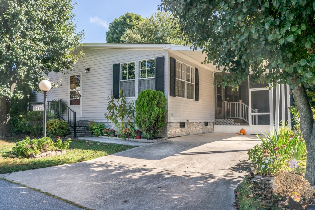 317 Happy Lane, Hendersonville in  County, NC 28792 Home for Sale