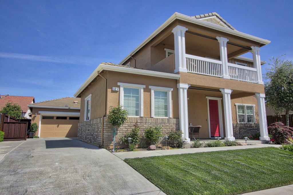 527 Clydesdale Ct Oakdale, CA 95361