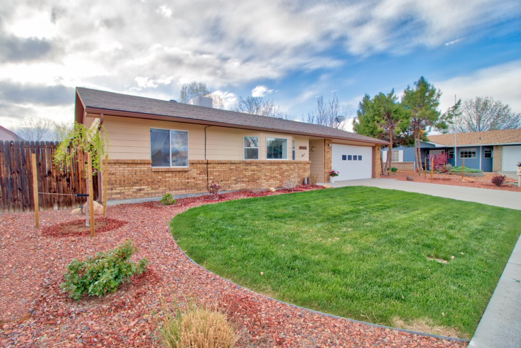 3036 1/2 Camelot Ct, Grand Junction in Mesa County, CO 81504 Home for Sale