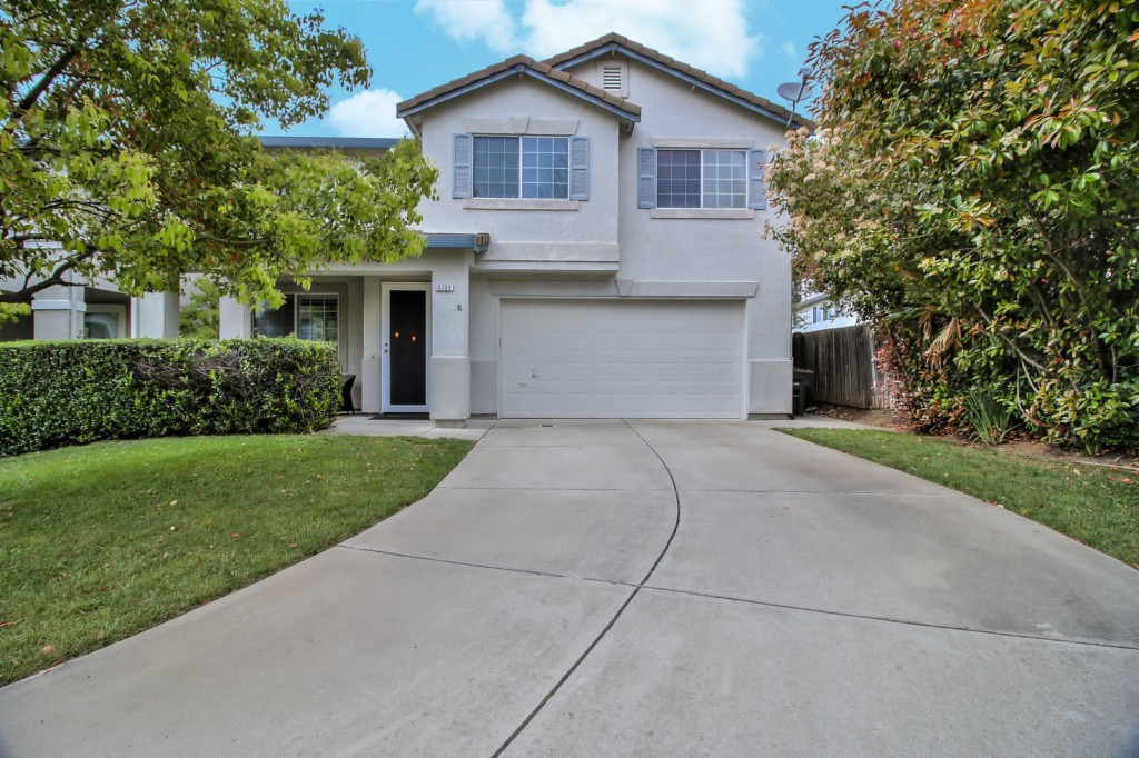 5723 Owl Court Elk Grove, CA 95758