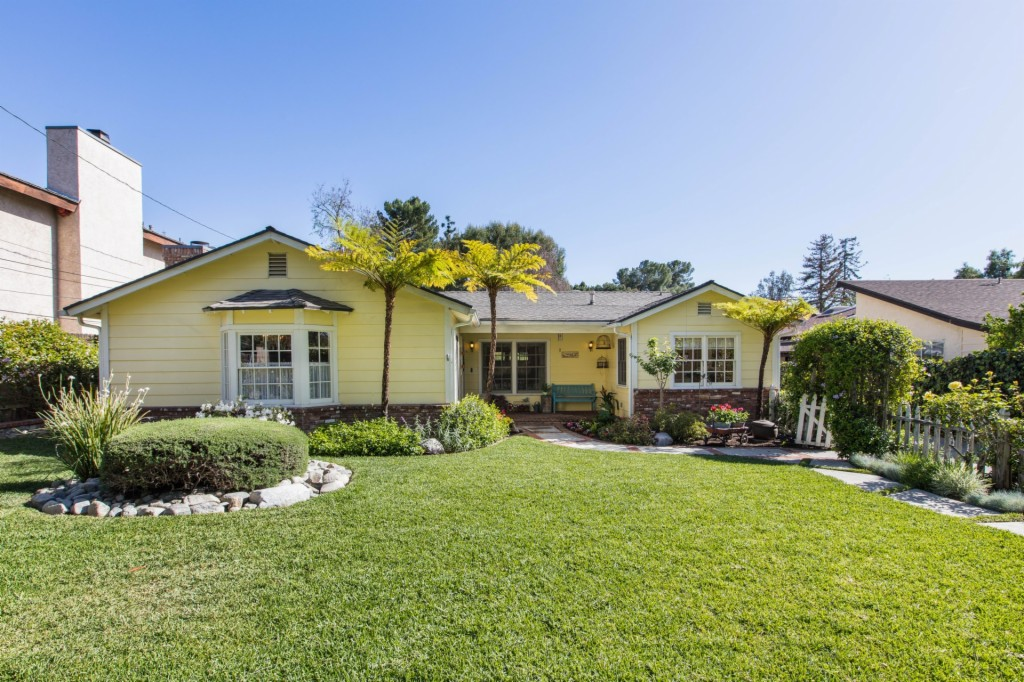 10522 Tuxford St Sun Valley, CA 91352