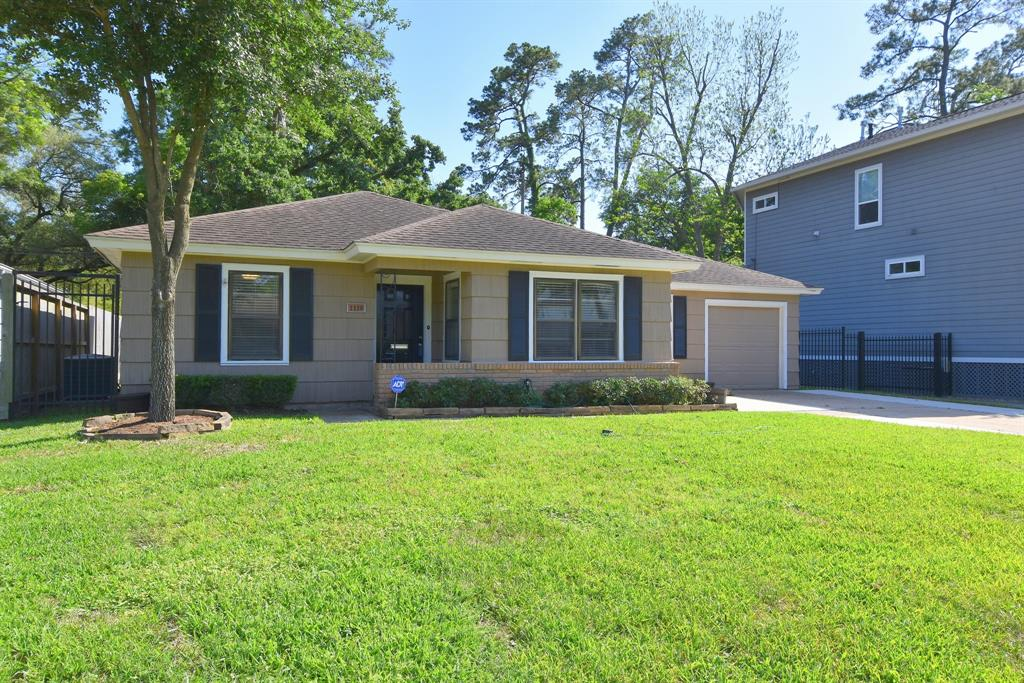 Houston Heights Homes for Sale -  Single Story,  1110 Wynnwood Lane