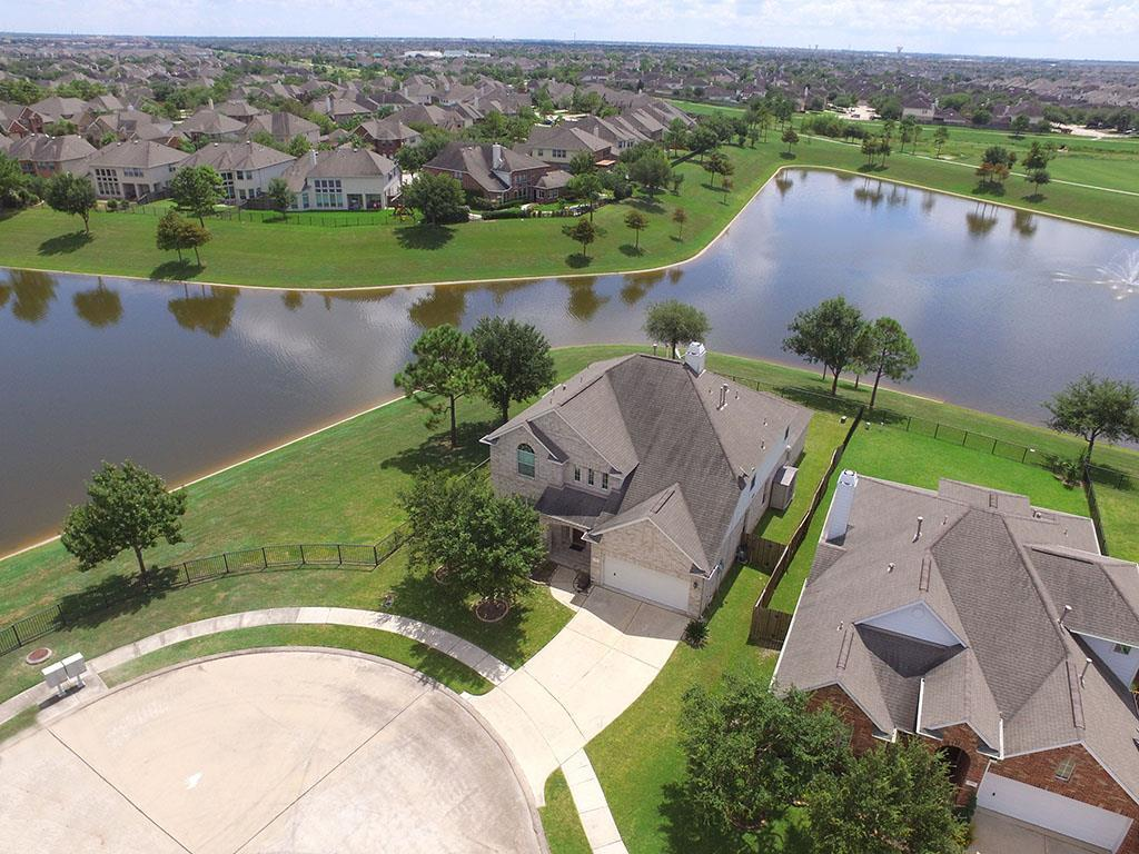 2101 Pearl Bay Court Court Pearland, TX 77584