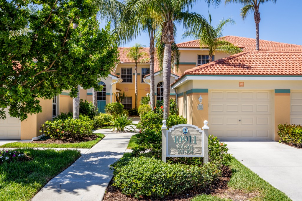 10911 Oak Island Rd 203, The Brooks, Florida