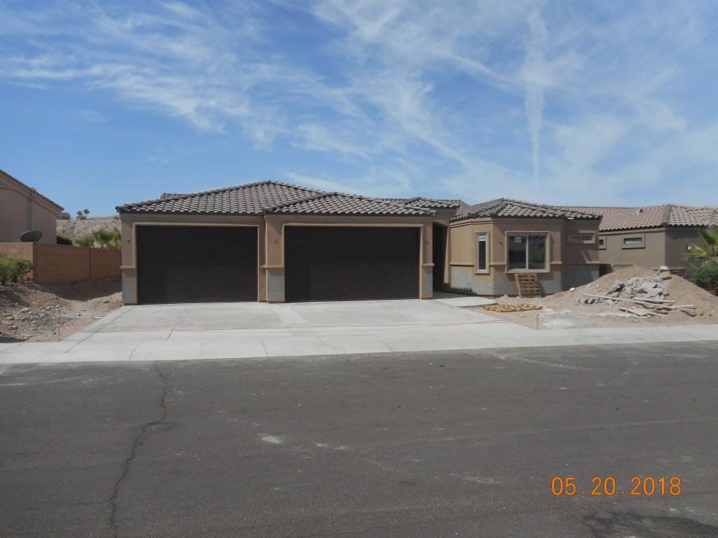 1109 Bella Luna Bullhead City, AZ 86429