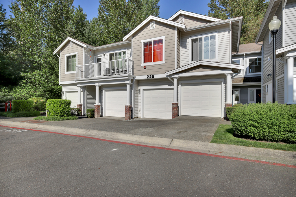 225 S 49th St D, Renton in King County, WA 98055 Home for Sale