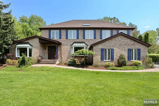 39 Gloria Drive Allendale Borough, NJ 07401