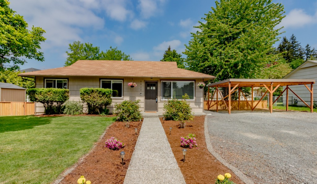 3912 NE 23rd Pl, Renton, Washington