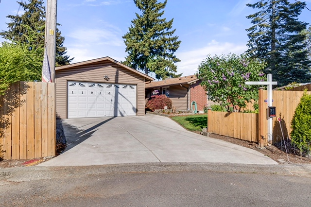 11916 SE 165th St, Renton in King County, WA 98058 Home for Sale