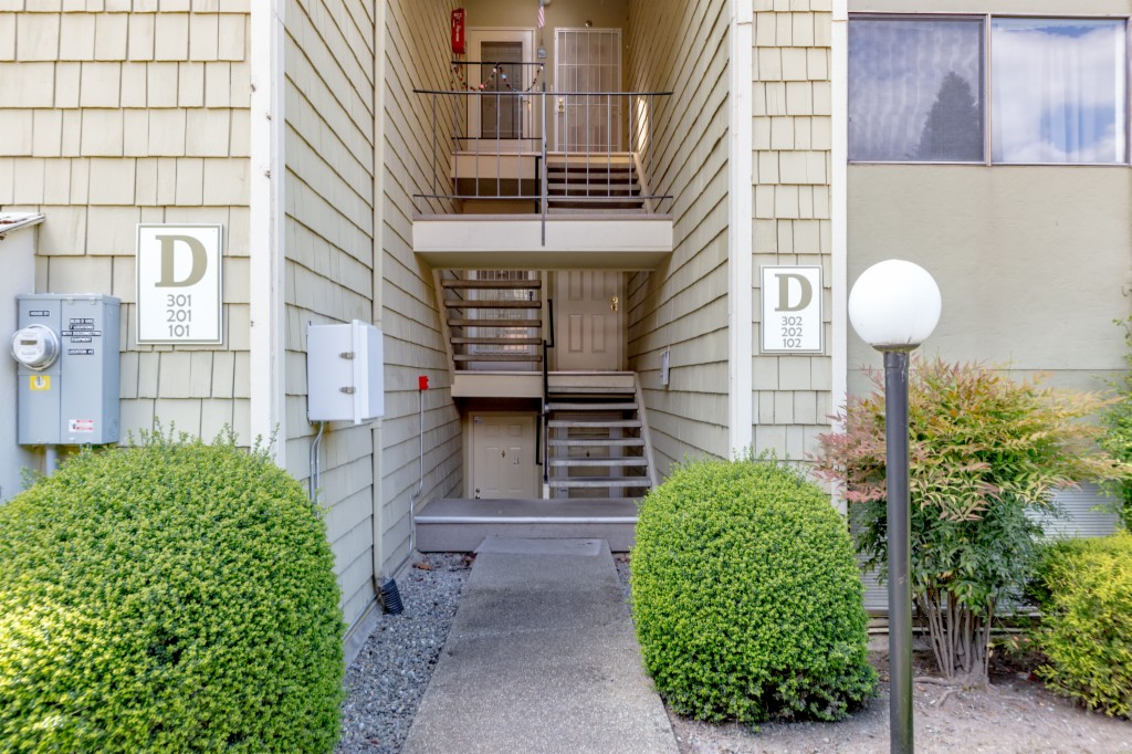 2020 Grant Ave S D102, Renton in King County, WA 98055 Home for Sale