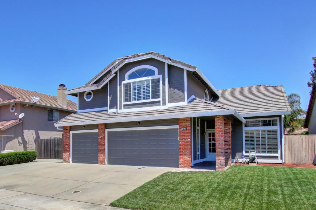 8657 Gossamer Way Elk Grove, CA 95624