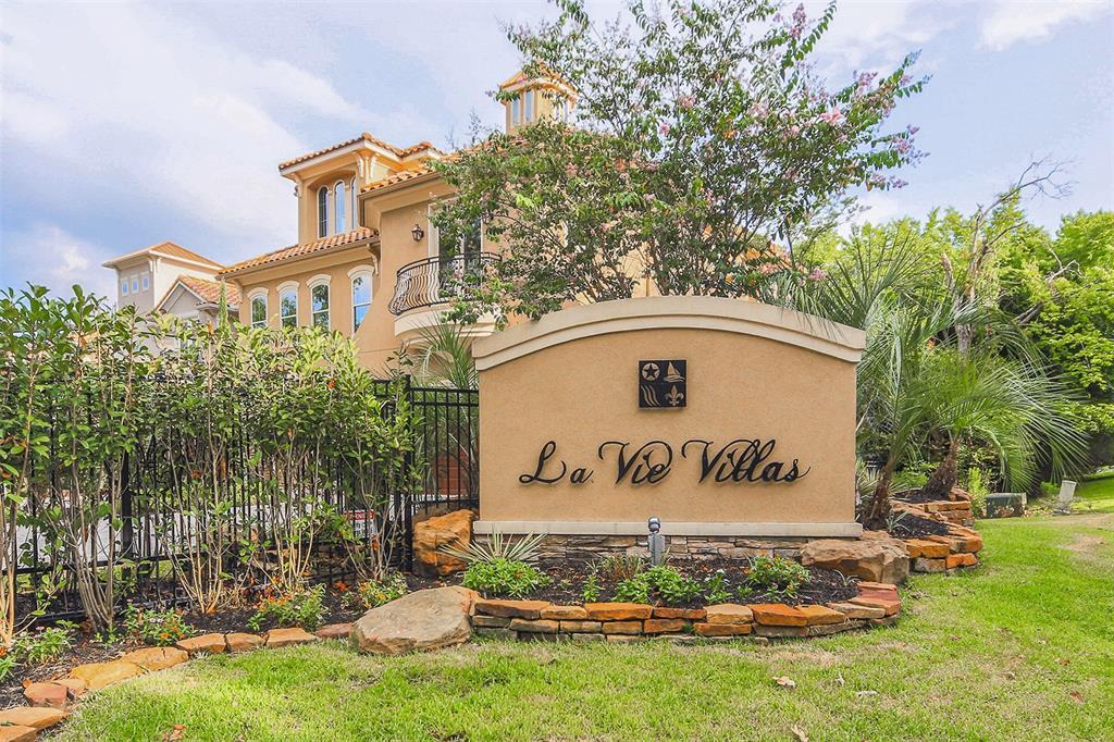 102 La Vie Drive, Montgomery, Texas