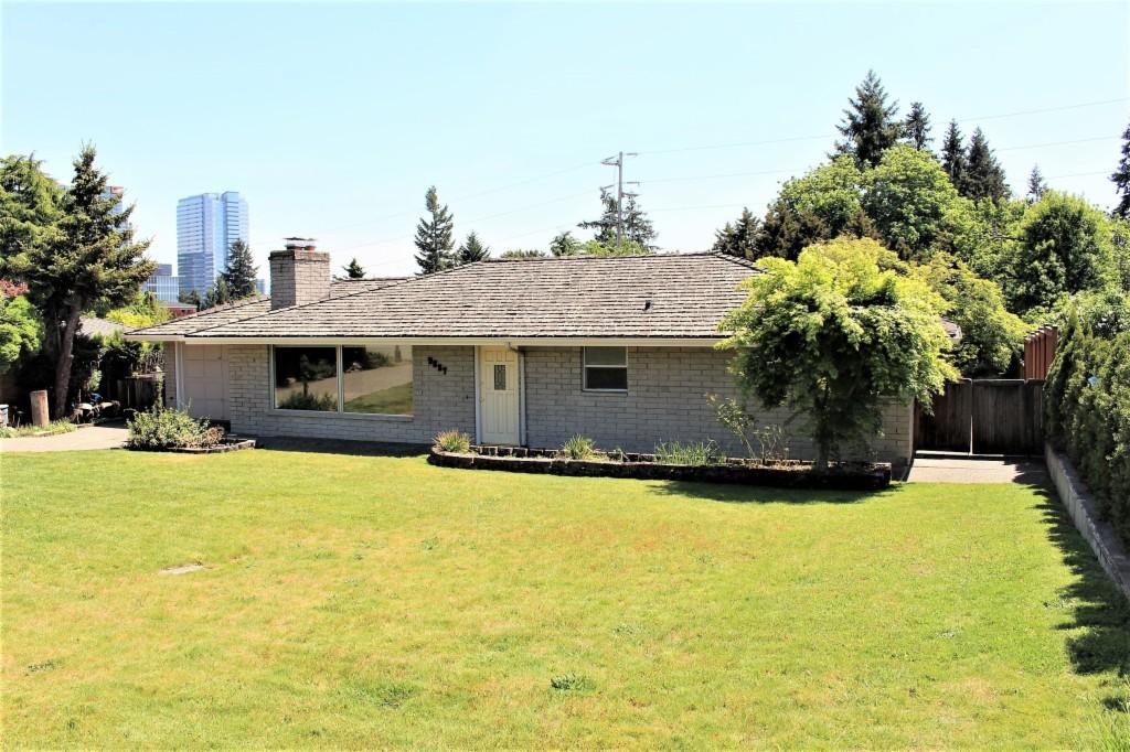 9687 Evergreen Dr, Bellevue, Washington