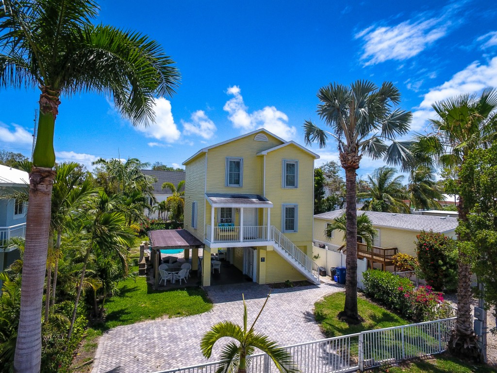 925 Plantation Road, Key Largo in Monroe County, FL 33037 Home for Sale