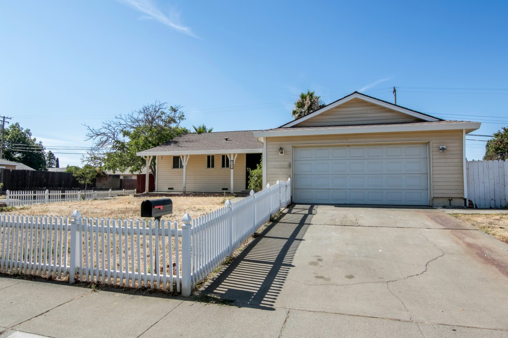 3854 Wildrose Way, Rosemont, California