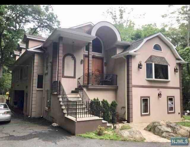 383 Wildwood Avenue Franklin Lakes, NJ 07417