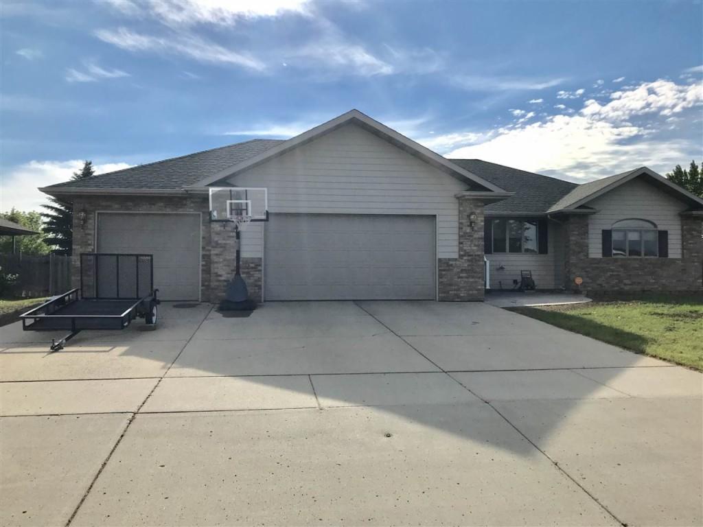 1512 10th St SE, Minot, North Dakota