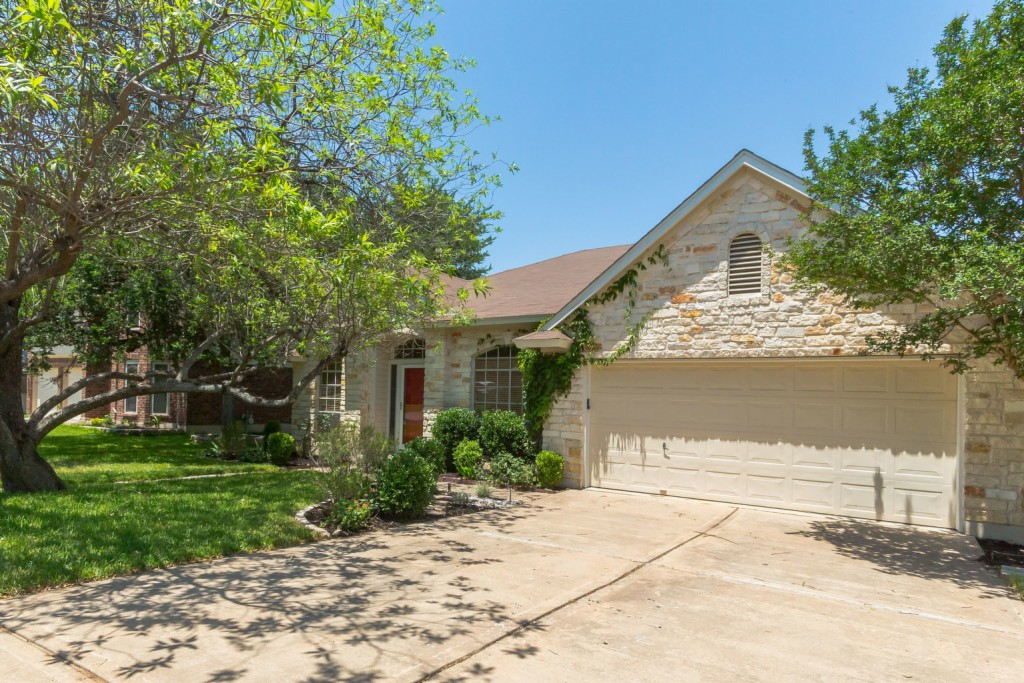 17849 Park Valley DR, Round Rock in  County, TX 78681 Home for Sale