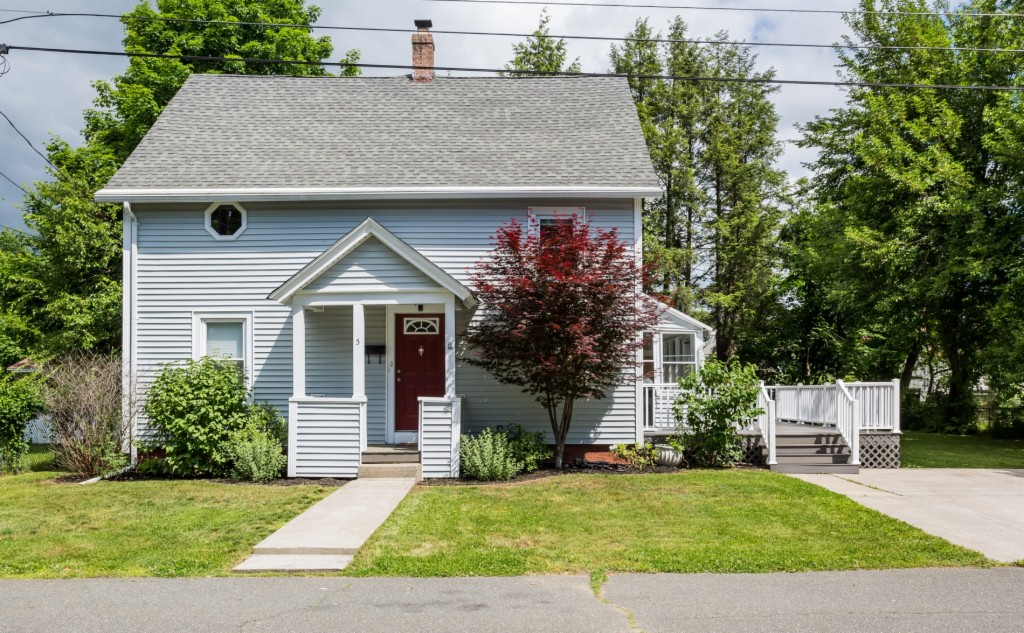 5 Ethan Ave Westfield, MA 01085