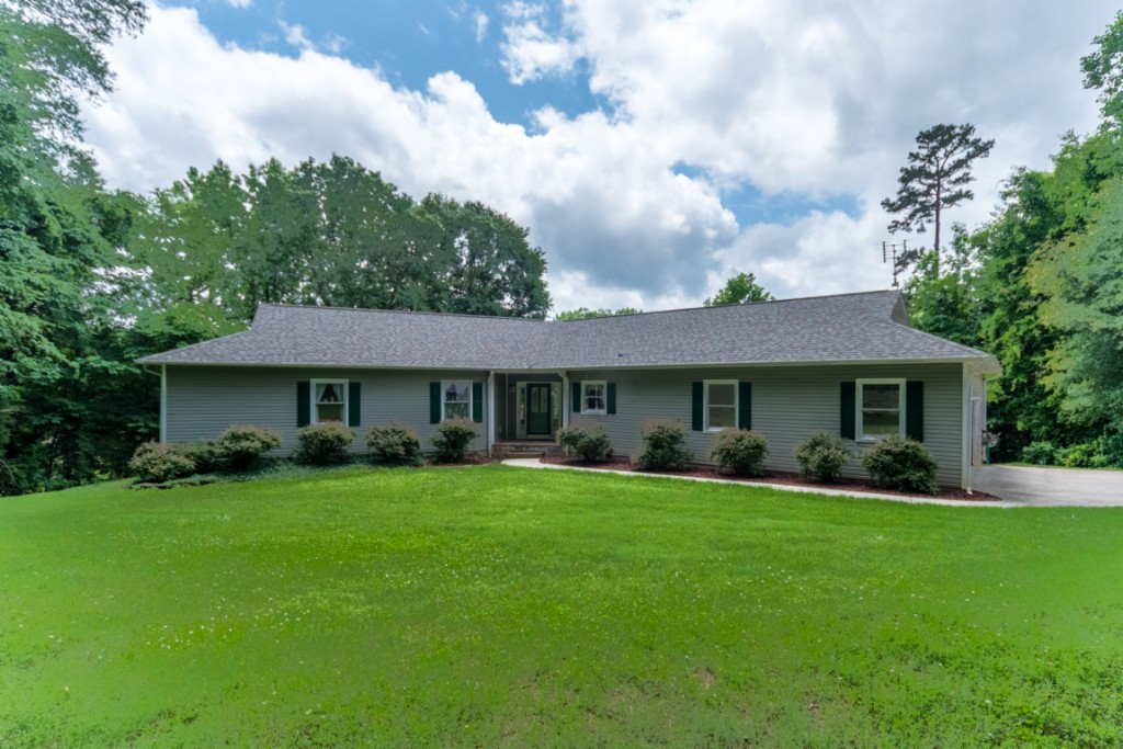 6747 Bucleigh Road, Lake Wylie South in York County, SC 29710 Home for Sale