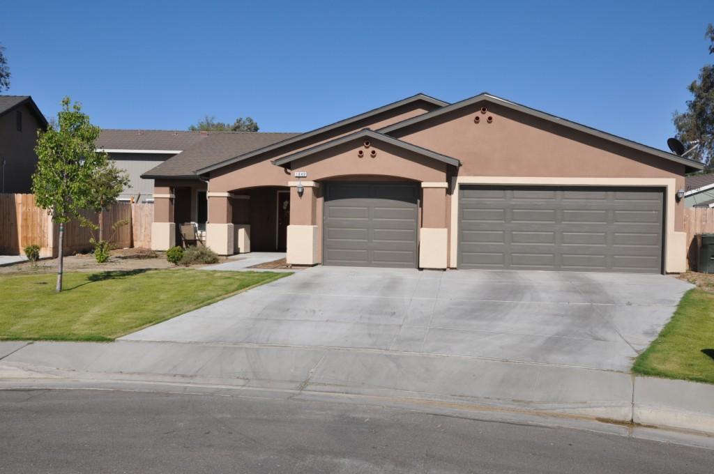 1649 Hume Lake Ave. Corcoran, CA 93212