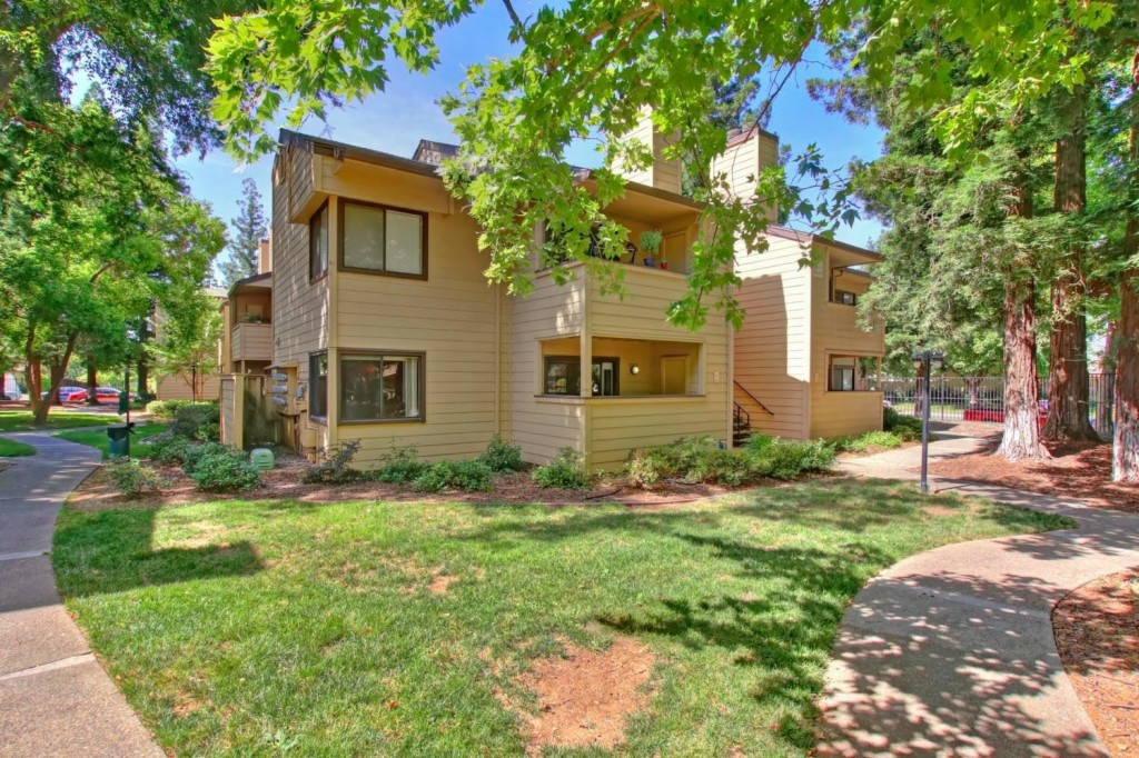 3715 Tallyho Drive 171, one of homes for sale in Rosemont