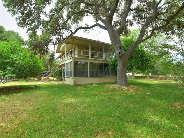 2454 Lakeshore DR Canyon Lake, TX 78133
