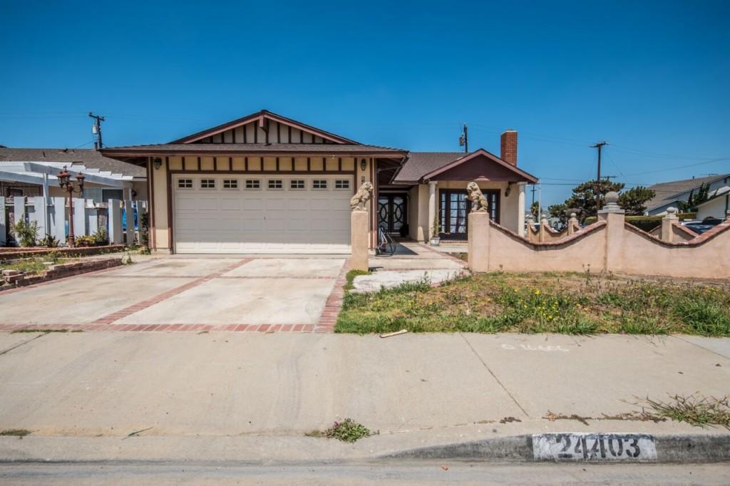 24403 Neptune Avenue Carson, CA 90745