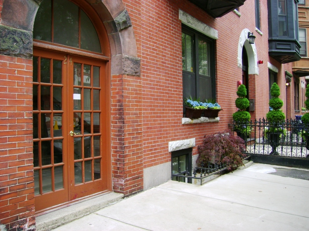 24 Isabella St. 1, Boston - Beacon Hill, Massachusetts