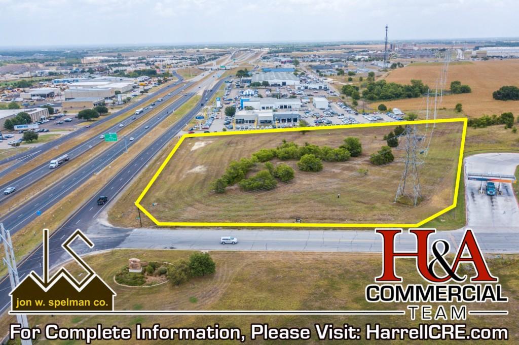 1401 West Loop 340 Woodway, TX 76712