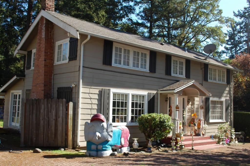 11909 Interlaaken Dr SW A, B & C, Lakewood, Washington