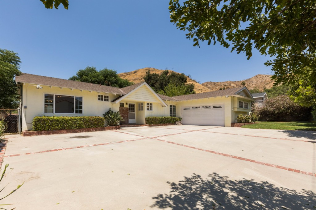 9243 Elben Ave Sun Valley, CA 91352