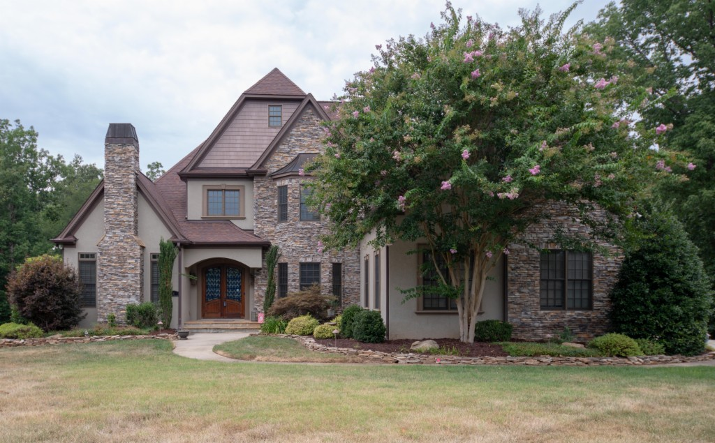 846 Cooks Cove Ridge, Lake Wylie South in York County, SC 29710 Home for Sale