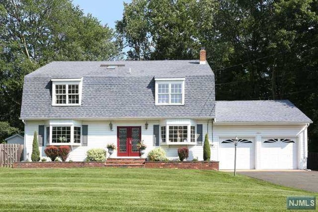995 Pines Terrace, Franklin Lakes, New Jersey