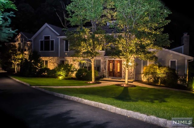 720 Sandia Place, Franklin Lakes, New Jersey