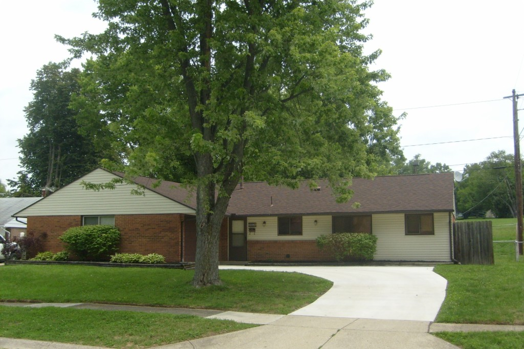 5453 Coleraine Dr Huber Heights, OH 45424
