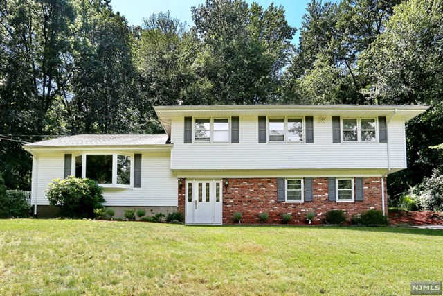 839 Handwerg Drive River Vale, NJ 07675