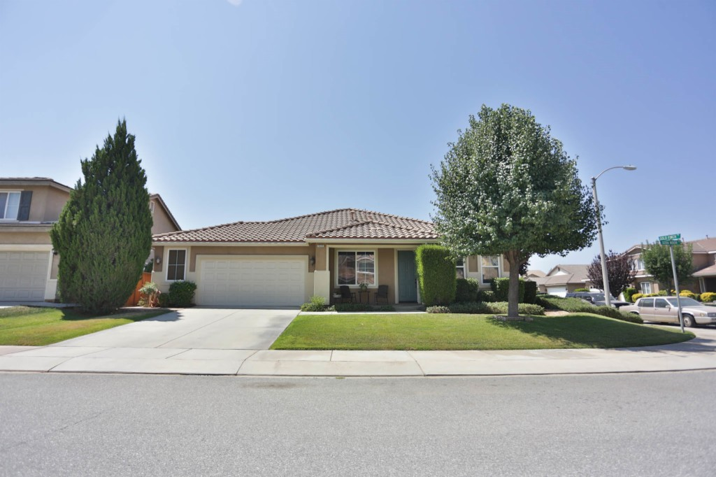 1649 Sera Moon Dr. Beaumont, CA 92223