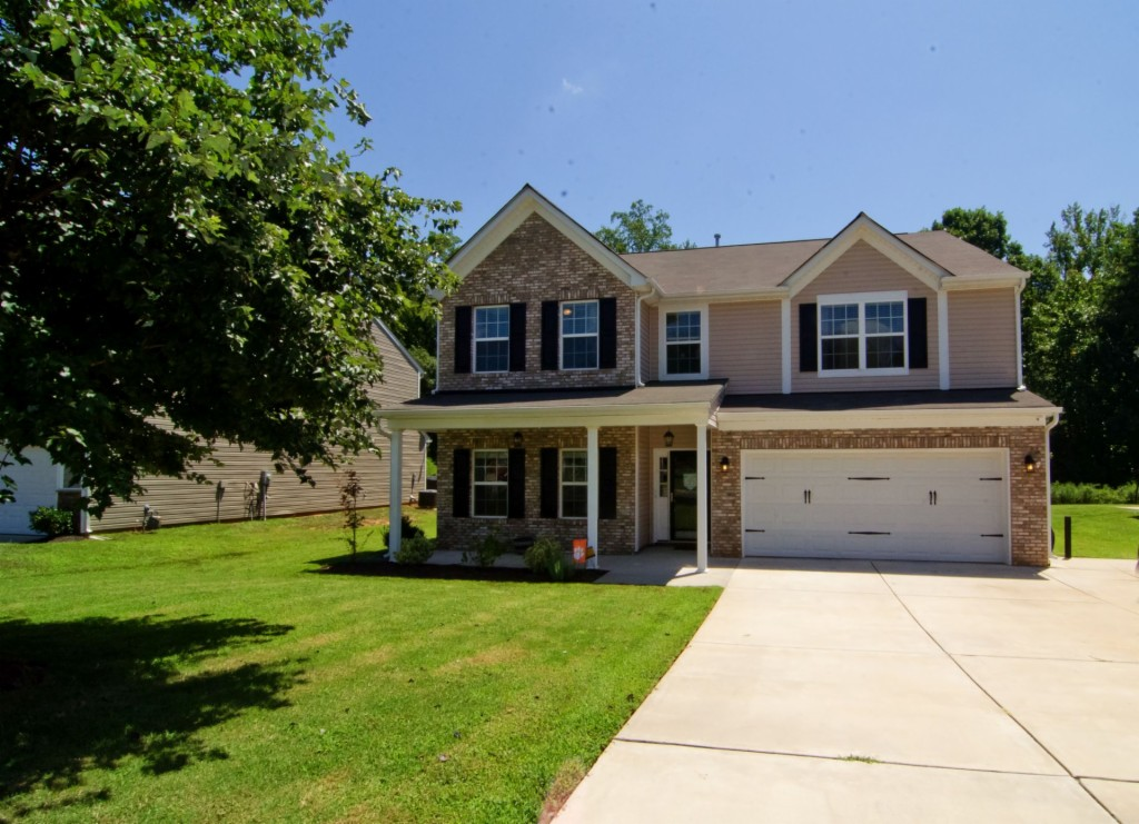 1653 Beleek Ridge Lane, Lake Wylie South in York County, SC 29710 Home for Sale
