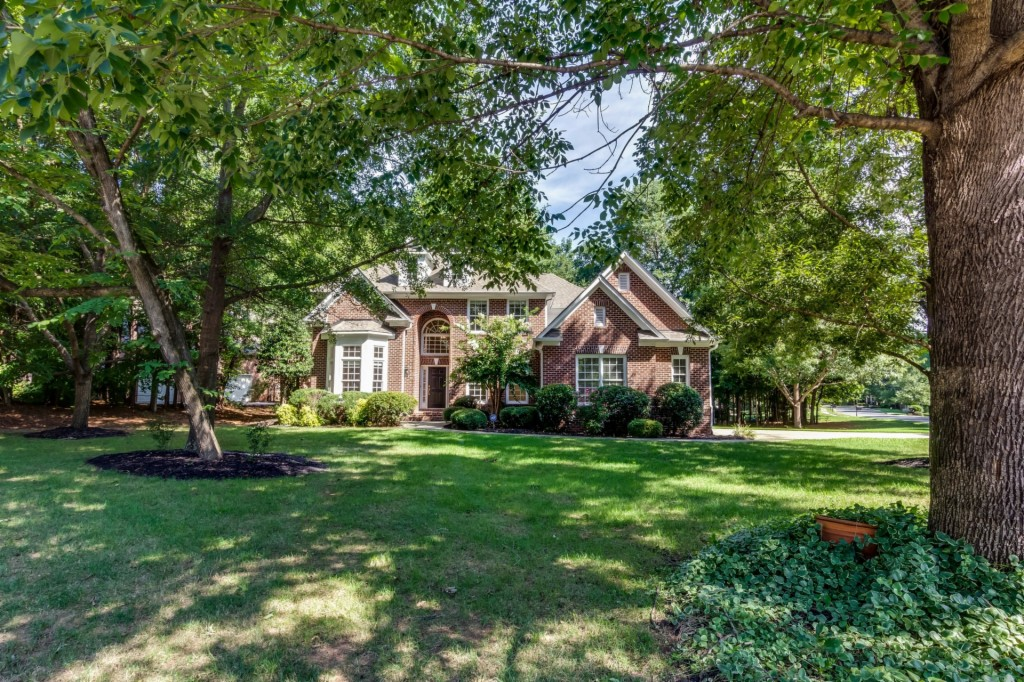 171 Mill Pond Road, Lake Wylie South in York County, SC 29710 Home for Sale
