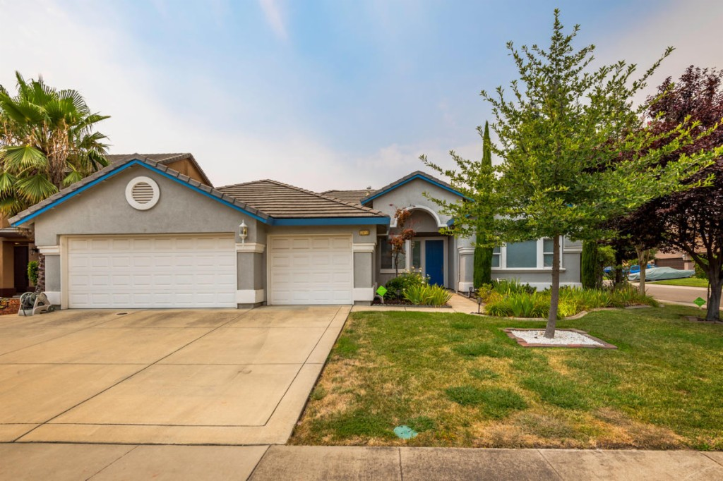 8429 Arrowroot Circle Antelope, CA 95843