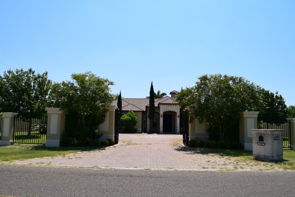 8600 N Taylor Rd, McAllen Pool for Sale