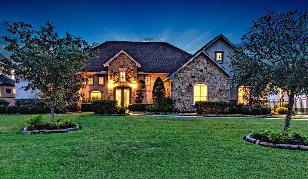 3013 Bridle Path Lane, Friendswood, Texas 3 Bedroom as one of Homes & Land Real Estate