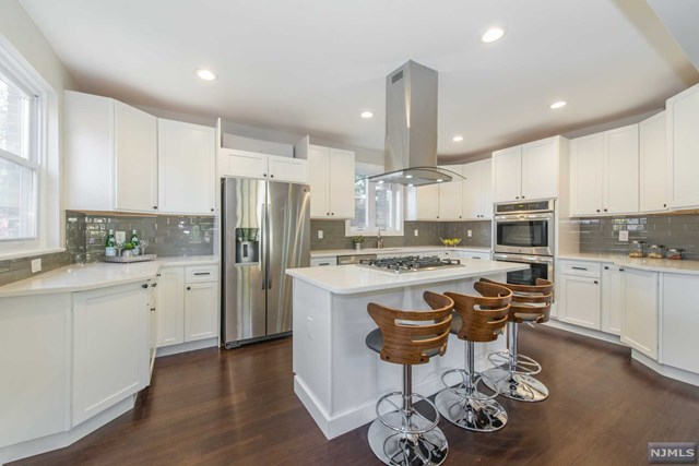 272 West Ivy Lane, Englewood, New Jersey