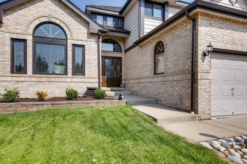5659 South Jasper Way, one of homes for sale in Centennial