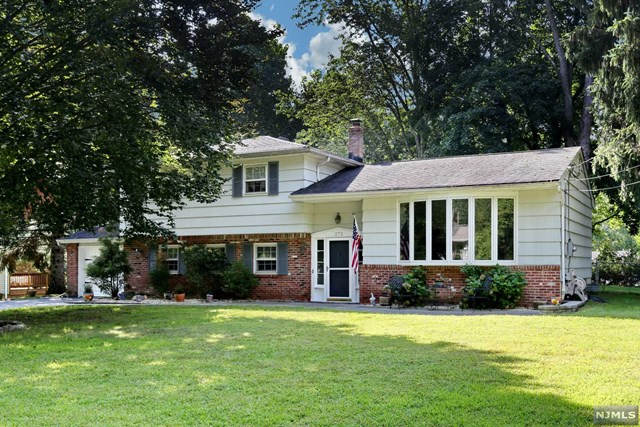 272 Cambridge Road, Hillsdale, New Jersey