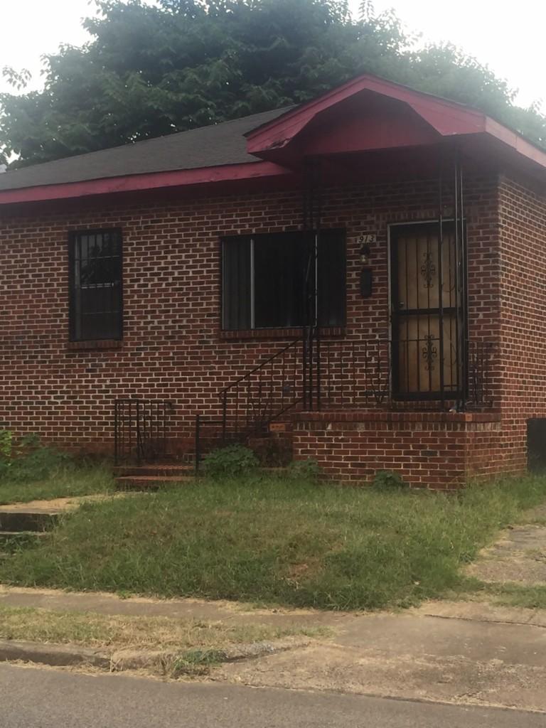 913 44th Street N, Birmingham in Alabama County, AL 35212 Home for Sale
