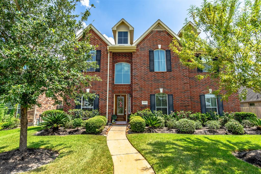 14306 Lakepointe Bend Lane, Cypress, Texas