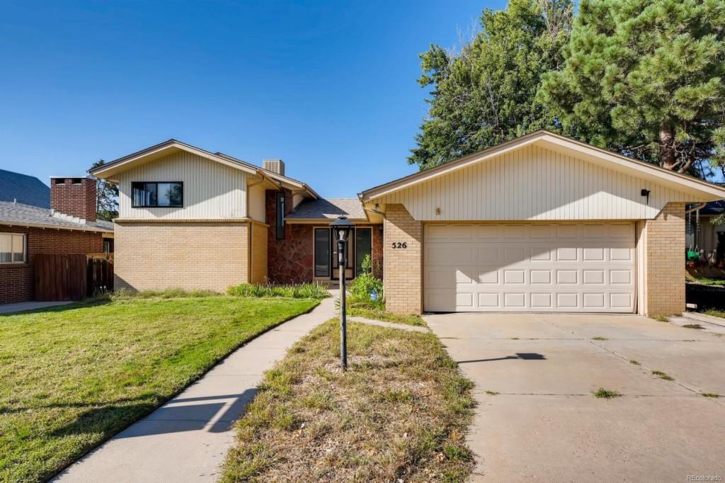 526 S Magnolia Ln Denver, CO 80224